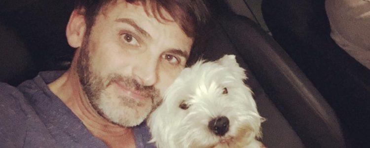 En varias ocasiones Fernando a adoptado a perros/Imagen: Instagram