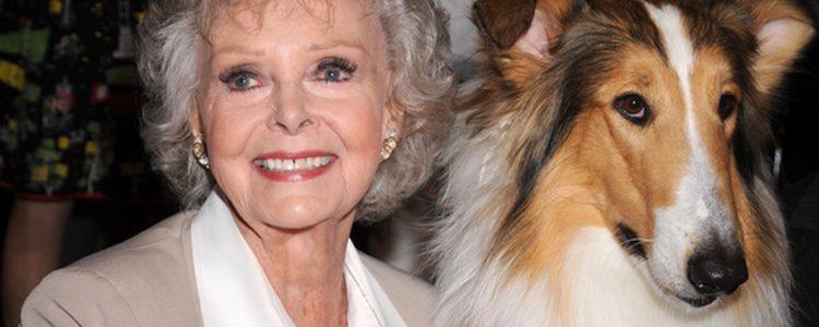 La actriz June Lockhart y Lassie en el treatro Held at the Leonard H. Goldenson