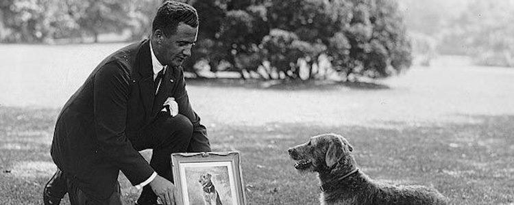 Roosevelt con uno de sus perros