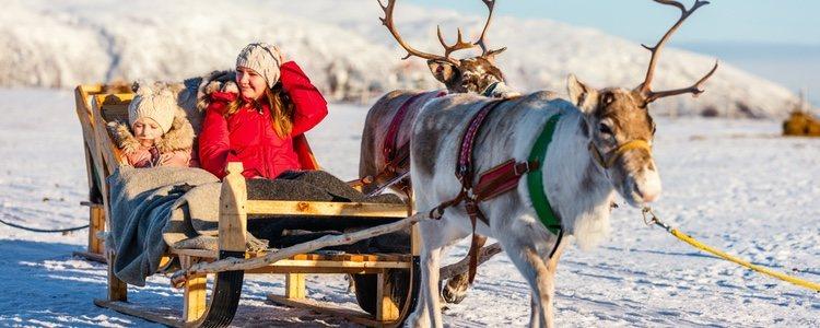 Lo que se sabe de Papá Noel es que vive en el Polo Norte con su mujer, elfos y renos